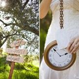 alice-wonderland-sign-clock