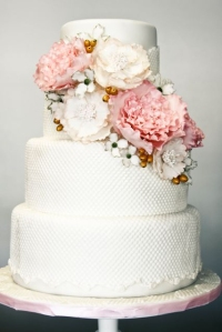 peonies-white-wedding-cake-ideas
